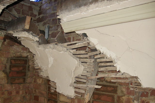 Plaster cornice restoration in Bath and Bristol